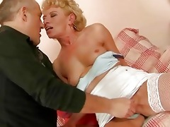 old hooker gets her butthole drilled