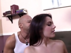 youthful pornstar pussytomouth