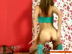 goldenshower loving eurobabe pees herself