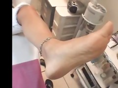 soles size 68 old woman