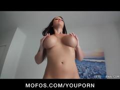 big-boobed dark brown girlfriend melina mason