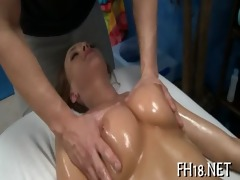 petite arsehole receives gaped