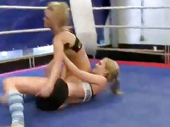 hawt juvenile blondes fighting