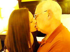 katharine nadzak makes out with 1010 year old dude