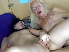 oldnanny old lady licking cunt of a glamorous