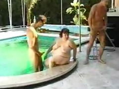 big beautiful woman drilled round pool by 6 chaps